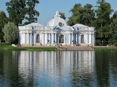 夏の宮殿 russia.jpg