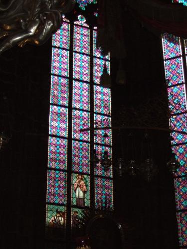 ステンドグラス プラハの聖ヴィート大聖堂1.jpg