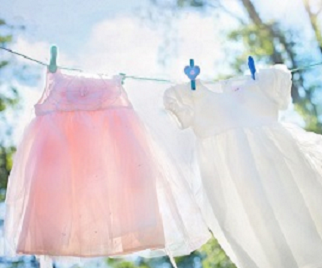 clothesline-女の子ドレス淡い色2_0.png