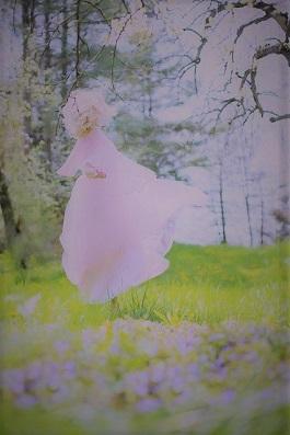 woman-淡いピンク色のドレス2_0 (2).jpg